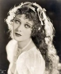 Dolores Costello - Silent Film Star (and Drew Barrymore's Grandmother) Vintage Hollywood, Golden Age Of Hollywood, Hollywood Glamour, Hollywood Stars, Classic Hollywood, Dolores Costello, Silent Film Stars, Movie Stars, Silent Screen Stars