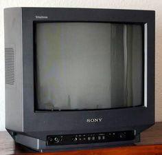 Tener un TV Sony de 14 pulgadas pantalla negra era lo máximo! #sony #tv14 #sonytrinitron Sony, Box Tv, Electronics, Retro, Blog, Display, Blogging, Retro Illustration, Consumer Electronics