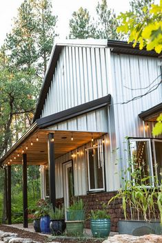 One company and hundreds of eye-catching metal building homes. These houses are simply the most beautiful homes you ever saw! Metal Building Homes, Metal Homes, Building A House, Barn With Living Quarters, Warehouse Home, Barn Living, Barn House Plans, Steel House, Metal Buildings