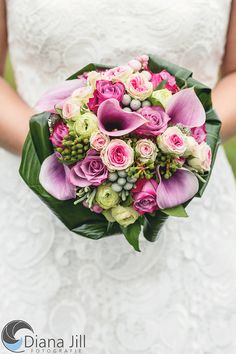 Bridal bouquet: October   -   Some of the used flowers: rose | calla