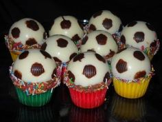 Yummy Soccer Cake Balls!  I must try making this again.  Cake balls I can do, it was the decorating that didn't go so well.