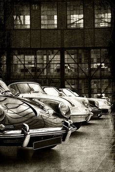 A row of Porsche models from old to new, Meilenwerk Düsseldorf.