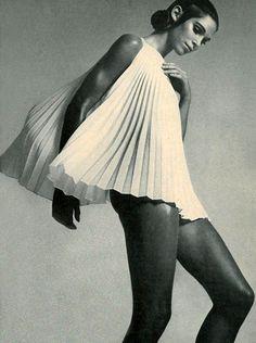 Ann Turkel    by Richard Avedon    Vogue 1969