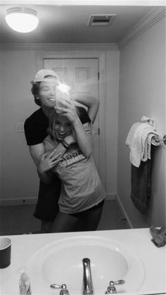 80 Romantic Relationship Goals All Couples Desire To Have - Page 23 of 80 - Nail. - 80 Romantic Relationship Goals All Couples Desire To Have – Page 23 of 80 – Nail Effect - Cute Couples Photos, Cute Couple Pictures, Cute Couples Goals, Romantic Couples, Romantic Boyfriend, Couple Photos, Beautiful Pictures, Couple Bi, Photo Couple