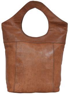 """""""Was hast Du denn da?"""", werden alle Deine Freundinnen fragen und neidisch auf Deine neue Tasche schauen. Der Shopper """"Maya"""" überzeugt im außergewöhnlichen Design verbunden mit praktischer Handlichkeit - Ledershopper - Gusti Leder - M68h"""