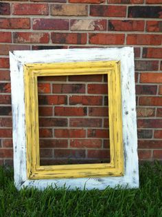 Love the white/yellow! Would love it in the white and our fireplace blue Painted Frames, Distressed Picture Frames, Frame It, Yellow, Blue, Diy Projects, Craft Ideas, Antiques, Colors