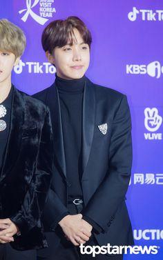 제이홉 • [PRESS] 180125 BTS at The 27th Seoul Music Awards Red Carpet ❤ #BTS #방탄소년단 #Jhope