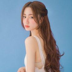 Korean Long Hair, Hair Korean Style, Korean Wedding Hair, Korean Hairstyle Long, Korean Hairstyles Women, Korean Hair Color, Korean Beauty, Asian Beauty, Hair Inspo