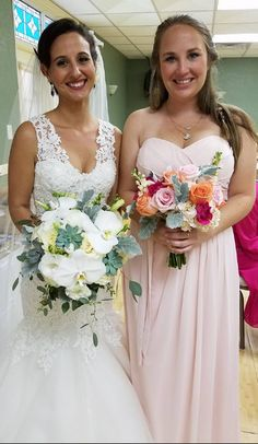 WEDDING FLOWERS! Delmas The Flower Booth .....  1.727.327.3232 ... http://www.delmastheflowerbooth.com/ https://www.facebook.com/Delmastheflowerbooth/?fref=nf