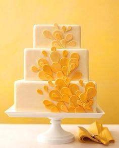Yellow Wedding Cake - Portugal #weddingportugal #lisbonweddingplanner #weddingcakeportugal