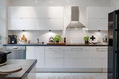 Stilrent kök med klassiska materialval
