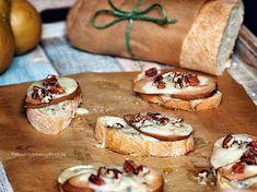 Crostini s hruškou a gorgonzolou Bread And Pastries, Bruschetta, Camembert Cheese, Blog, Meals, Ethnic Recipes, Success, Meal, Blogging