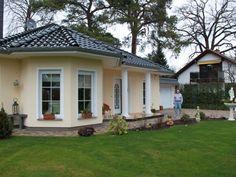 Fassadenfarbe beispiele gestaltung bungalow  Bungalow bauen - modernes, komfortables Wohnen auf einer Ebene ...