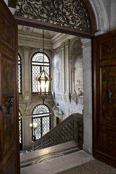 specksofglitterandgold: The inspiring Perfect Italian Hotel...