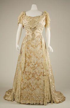 fashionsfromhistory:  Wedding Dress 1890s United States MET