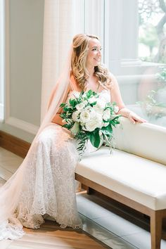 Bride at her RITZ CARLTON AMELIA ISLAND wedding // Photos by Aaron and Jillian Photography
