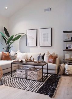 Best Coffee Table Design, Home Decor Styles - Modern Small Apartment Living, Home Living Room, Living Room With Plants, Nordic Living Room, Artwork For Living Room, Cozy Living, Small Apartments, Coffee Table Design, Coffee Tables
