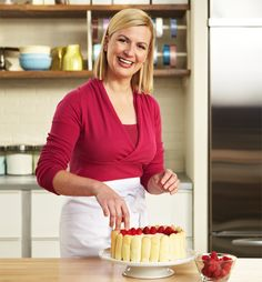 Anna Olson is a pastry chef. She hosts Bake with Anna Olson on Food Network Canada. Her husband, Michael, and her created the Olson Recipe Generator App to help people with their everyday cooking. New Recipes, Sweet Recipes, Recipies, Anna Olsen, Cupcake Videos, Cooking Tv, Tv Chefs, Food Network Canada, Nigella Lawson