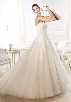 2014 New Style PRONOVIAS Glamour Collection - Octavia Wedd