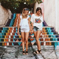 Best friends in Mexico // @demilucymay