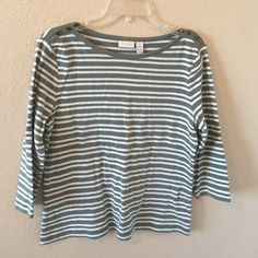 Chico's top final markdown Chico's 3/4 sleeve top. Great condition. 100% cotton. Chico's Tops Tees - Long Sleeve