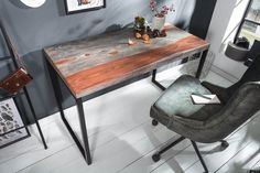 Az ELEMENTS íróasztal különleges és egyedi bútordarab. A natúr és a szürkére pácolt rózsafa remek összhangot alkot, gyönyörű mintázata a természet alkotta csoda. Fekete fém lábai fitalossá teszik megj Office Table Design, Office Desk, Corner Desk, Solid Wood, Interior, Furniture, Home Decor, Products, Environment