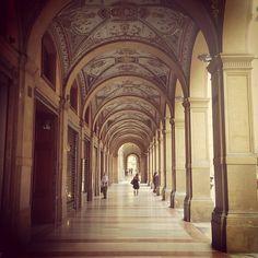 La gallerie Cavour (Bologna) et ses superbes plafonds peints - Instagram by @Adeline