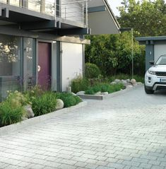 Adding Planting Around Your Driveway Extends The Back Garden images ideas from Home Inteior Ideas Permeable Driveway, Driveways, Driveway Landscaping, Landscape Design, Garden Design, Traditional Front Doors, Driveway Design, Driveway Ideas, Stone Walkway