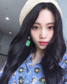 Korean Ulzzang, Ulzzang Girl, Kpop Girl Groups, Kpop Girls, Korean Group, My Vibe, Face Claims, Mamamoo, Girlfriends