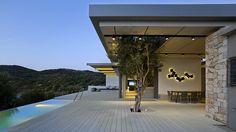 Construído pelo Z-level na Agios Fokas, Greece na data 2014. Imagens do Yiorgis Yerolybos. Este projeto encontra-se emAgios Fokas, na parte sudoeste da ilha de Lesbos, em um terreno agrícola entre oliveiras....