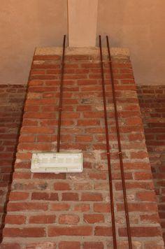 Restauro del secondo piano, completamento dei percorsi nel sottotetto verso corte e lungo la torre est, rifacimento copertura ala ovest