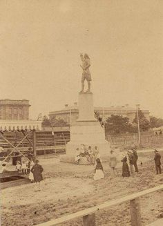 Captain Cook Statue in Hyde Park,Sydney in 1879.A♥W