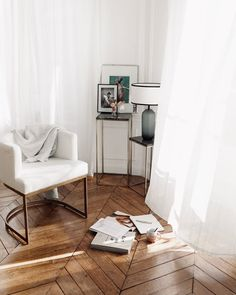 Mary Modern Interior, Interior Styling, Interior Design, Bons Plans, Minimalist Decor, Foto E Video, Minimalism, Chill, Sweet Home
