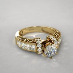 Wedding - Wedding Rings Framed Vintage Diamond Engagement Ring in Yellow Gold Wedding Rings Vintage, Vintage Rings, Vintage Diamond, My Engagement Ring, Vintage Engagement Rings, Buy Diamond Ring, Stylish Jewelry, Schmuck Design, Gold Bangles