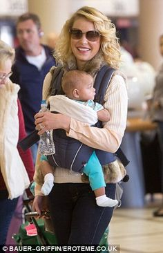 Katherine Heigl and baby Adalaide. What a great style icon she is for all you yummy mummys out there!
