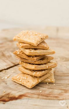 Galletas Saladas de Queso con Ajonjolí // Cheese Crackers. Receta en Home, Delicious Home!