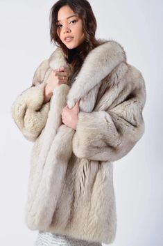 Fox Fur Jacket, Fox Fur Coat, Multi Coloured Boots, White Fur Coat, Mens Fur, Fabulous Furs, Fur Wrap, White Fox, Fur Fashion
