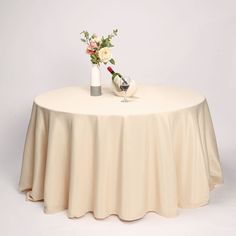 Diy Reception Decorations, Flower Table Decorations, Christmas Table Decorations, Table Flowers, Tablecloth Sizes, Floral Tablecloth, Round Tablecloth, Tablecloths, Table Overlays
