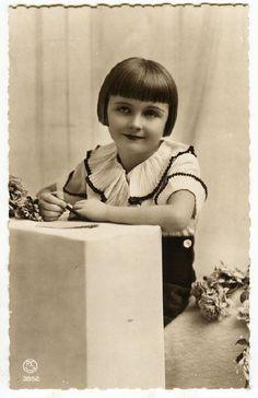Louise Brooks circa 1910