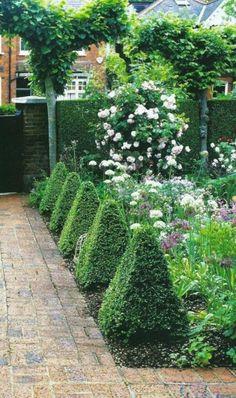 Bilder Zur Vorgartengestaltung Idee Steine Kiesel Blumen Formen