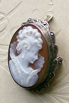 Vintage Jewelry Brooch Antique Shell Cameo