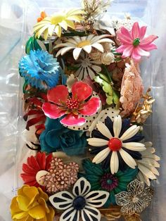 Flower pins...@Country Living Magazine these are some of my favorite pieces! #fleamarkethaul