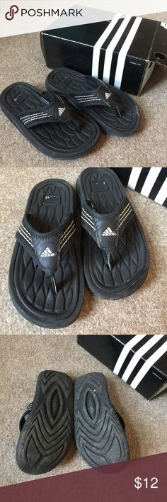 Boys Black Adidas Thongs Foam sole and fabric strap. NM adidas Shoes Sandals & Flip Flops
