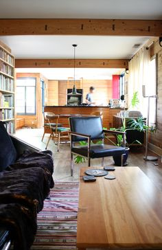 TEXAS: Mark Macek's Modern, Warm & Woodsy House Tour. 9/18/2012 via @Apartment Therapy