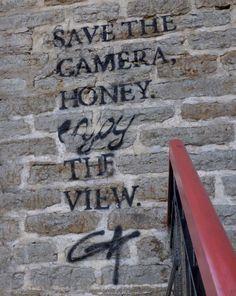 Viajar e descobrir: Estónia - Tallinn - Pintura mural - Stencil street...