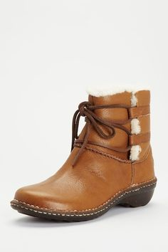 UGG Australia Caspia Outdoor Boot. I have these boots and they are super adorable/comfortable. Great with skinny jeans.