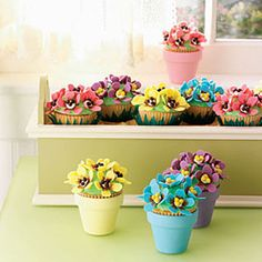 These super-cute pansy cupcakes will be a garden party hit!