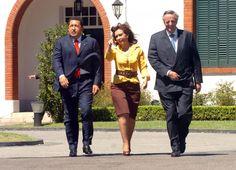 #Argentina y #Chávez, la historia de una relación estratégica. Las llegadas de Hugo Chávez al Palacio de Miraflores en 1999 y de Néstor #Kirchner a la Casa Rosada en 2003, abrieron una etapa histórica sin precedentes en el vínculo entre ambos países > http://www.minutouno.com/c279942