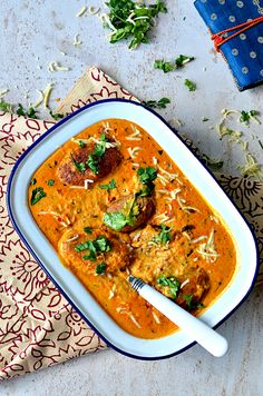 Malai Kofta curry - Soft cottage cheese umplings simmered in rich tomato based gravy – The Veggie Indian Paneer Recipes, Indian Food Recipes, Vegetarian Recipes, Cooking Recipes, Ethnic Recipes, Chickpea Recipes, Curry Recipes, Lasagna Recipes, Lentil Recipes