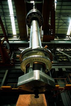 If the Seven Wonders of the World was updated for the 21 st century, the Wartsila-Sulzer turbocharged two-stroke diesel engine could be a contender. New Engine, Steam Engine, Marine Diesel Engine, Cylinder Liner, Marine Engineering, Crate Engines, Merchant Navy, Aircraft Engine, Combustion Engine